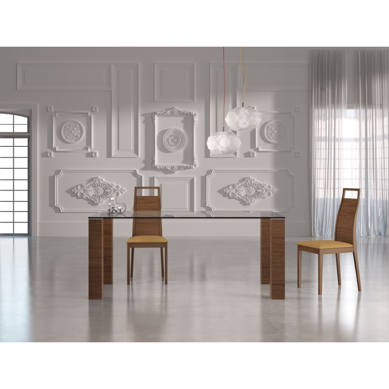Mesa de comedor moderna con cristal color nogal muambi for Mesas de comedor de vidrio modernas