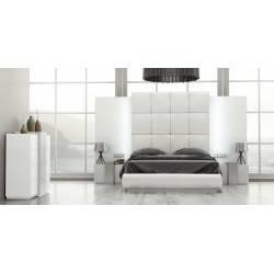 COMPOSICIÓN: Dormitorio de matrimonio, color: blanco - plata, tapizado: blanco
